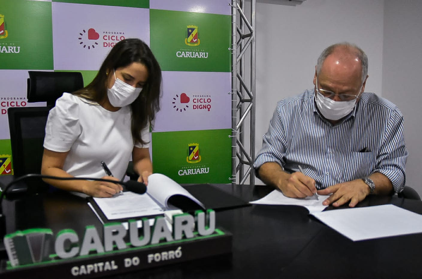 Prefeitura de Caruaru firma parceria com o grupo Ferreira Costa