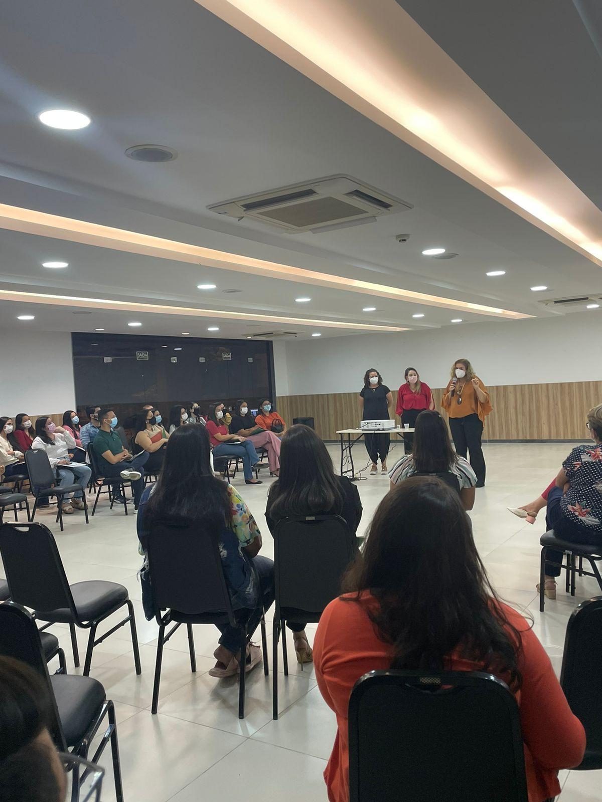 Setembro Verde: profissionais de saúde da rede municipal participaram de oficina sobre comunicação compassiva